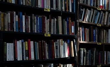 books-705417_640.jpg